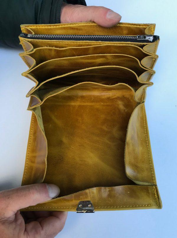 Lederportemonnaie offen mit Münzfach